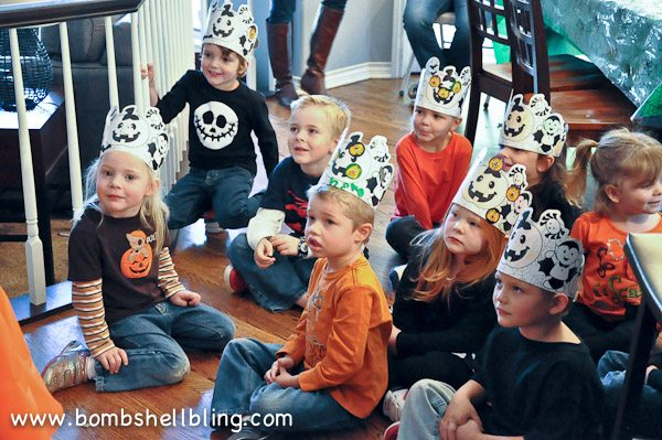 Such a cute Halloween party full of kid crafts and darling but simple treats!
