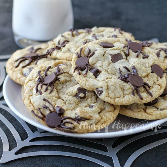 *Halloween-spider-chocolate-chip-cookies