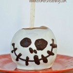 Love this Disneyland inspired Jack Skellington Caramel Apple!