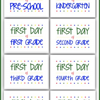 Super cute free printables to use for back to school pictures each year! #backtoschool #printables #BTS