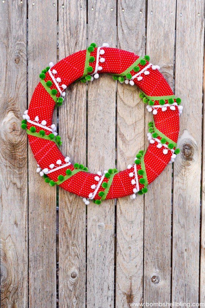 Pom Pom Christmas Wreath Tutorial-2