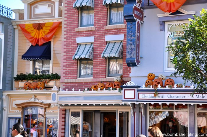 Why I love Disneyland at Halloween-2