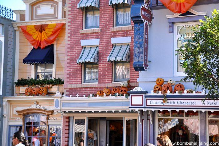 Why I love Disneyland at Halloween-2